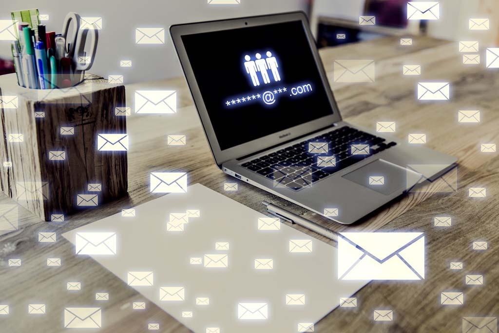 商家后台收到留言信息,并且迅速给客户回复